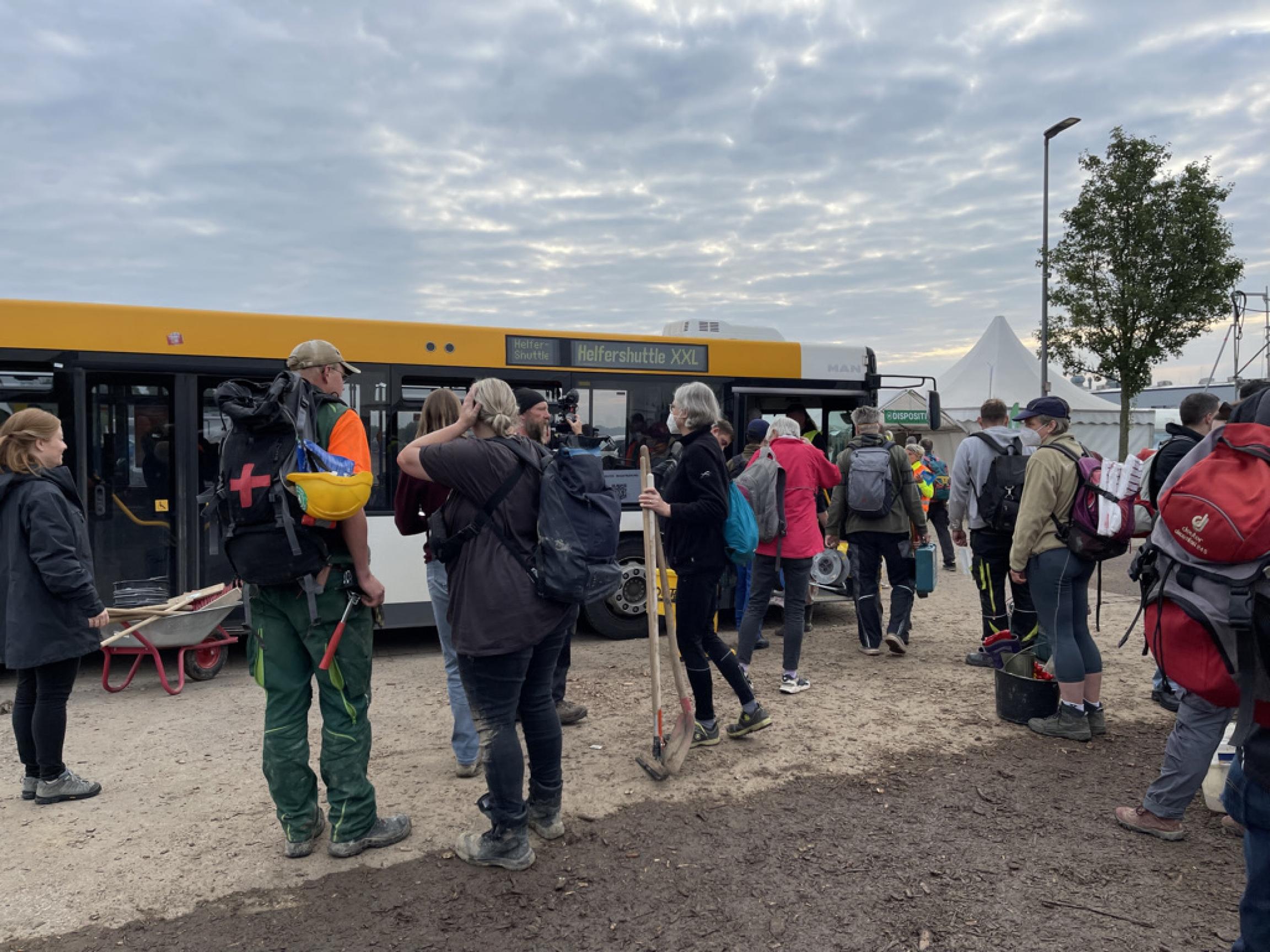 volunteer bus