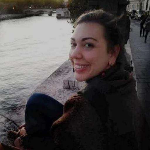 Laura Vidal headshot.