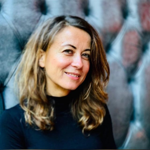 Portrait of Cara Tabachnick
