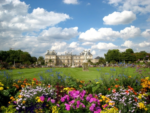 Jardin du Luxembourg palace and flowers
