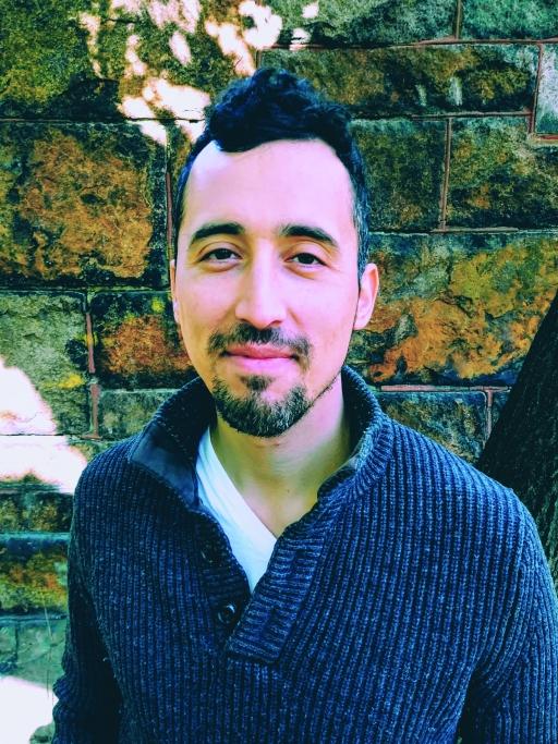 Portrait of author Noé Álvarez