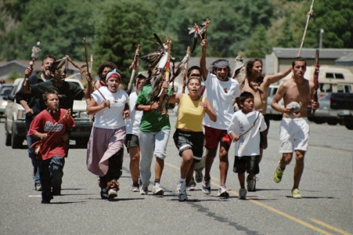 runners on the peace and dignity run