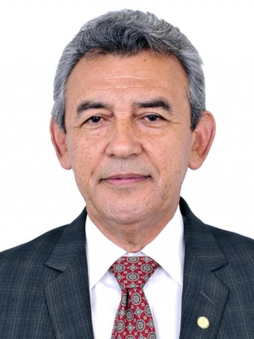 A photograph of politician João Ferreira Neto.
