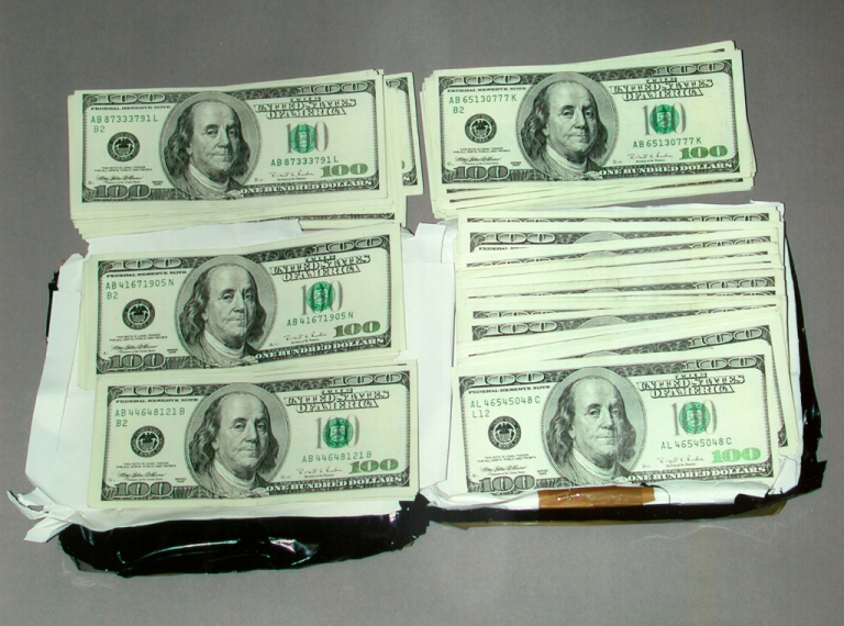 <p>Venezuela's National Guard discovered rolls of $100 bills amounting to $550,000 buried near the country's border with Colombia today.</p>