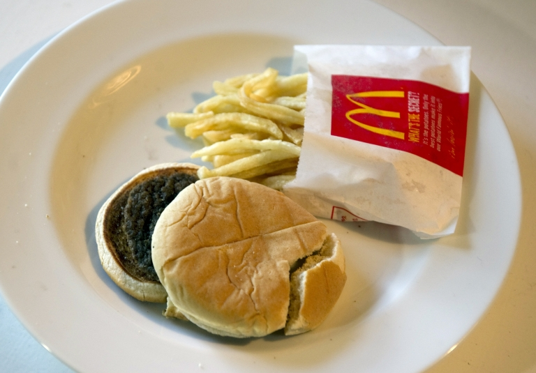 <p>Salt intake and cancer have been linked in a new study.</p>
