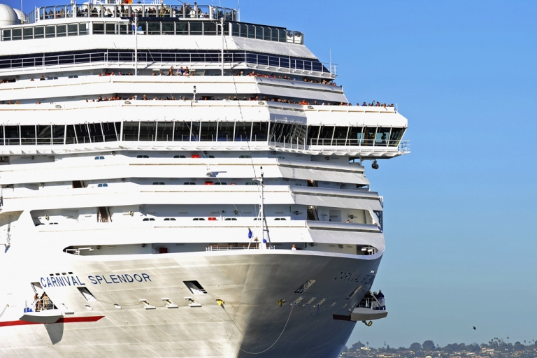 <p>Masked gunmen robbed passengers from the Carnival Splendor during a day trip near Puerto Vallarta, Mexico.</p>