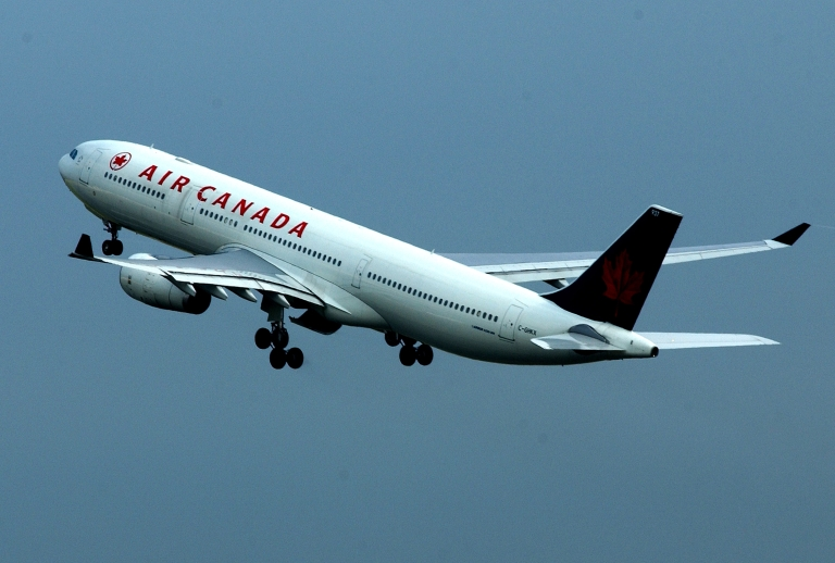 <p>A report released Monday said a sleepy Air Canada pilot dived plane hundreds of feet to avoid an imaginary aircraft.</p>