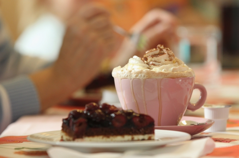 <p>A new study has shown that hot chocolate tastes better when served in an orange or cream cup.</p>