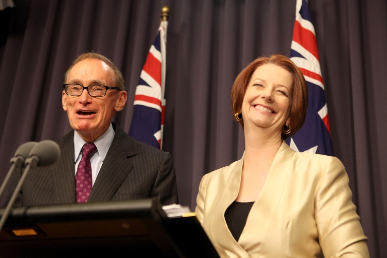 <p>Australian Prime Minister Julia Gillard announces that Bob Carr (L) will replace Kevin Rudd as Australia's Minister for Foreign Affairs at Parliament House in Canberra on March 2, 2012.</p>