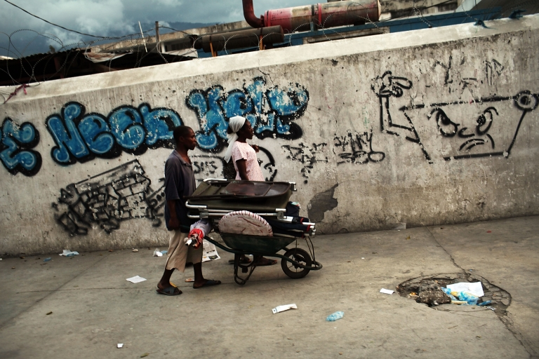 <p>Global poverty is in decline despite a world economic slump said the World Bank in a report released Tuesday.</p>