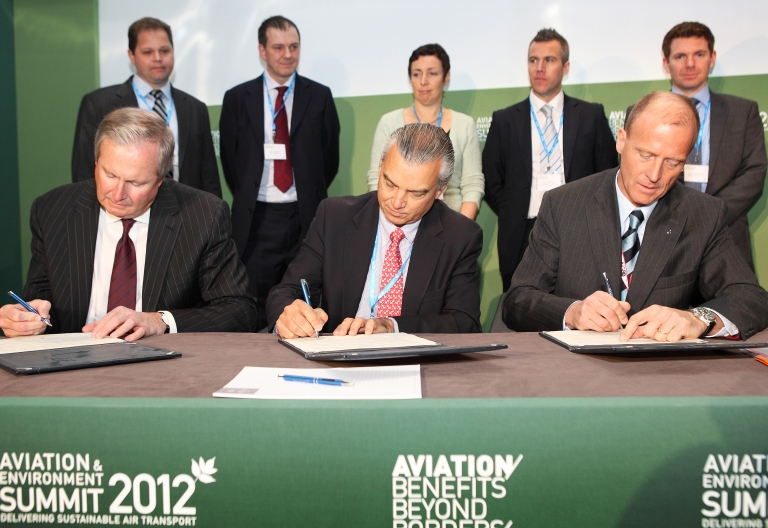 <p>President and CEO of Boeing Jim Albaugh, President Commercial Aviation at Embraer SA, Paulo Cesar de Souza e Silva, and President and CEO of Airbus Tom Enders sign the industry initiative on sustainable bio fuels during the Aviation and Environment Summit on March 22, 2012 in Geneva, Switzerland.</p>