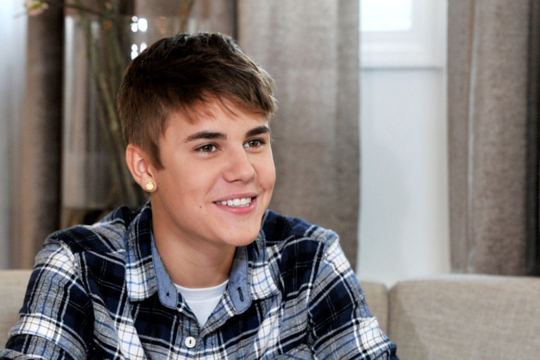 <p>Musician Justin Bieber speaks an interview with Elvis Duran for