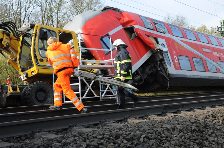 <p>Three people died and six others were injured, one seriously, when a regional train collided with a works engine early Friday, on April 13, in western Germany.</p>