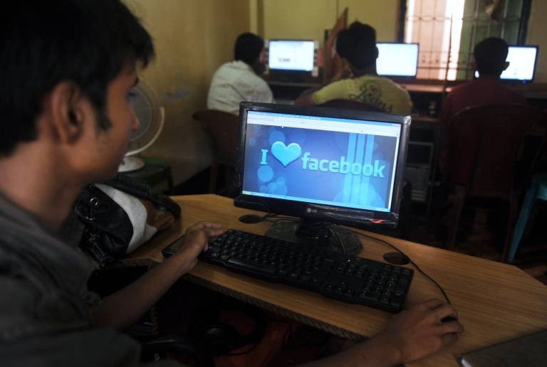 <p>India cracked down on websites that it said was spreading