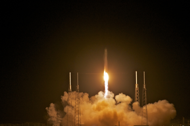 <p>SpaceX's Dragon spacecraft atop rocket Falcon 9 lifts off from Pad 40 of the Cape Canaveral Air Force Station in Titusville, Florida.</p>