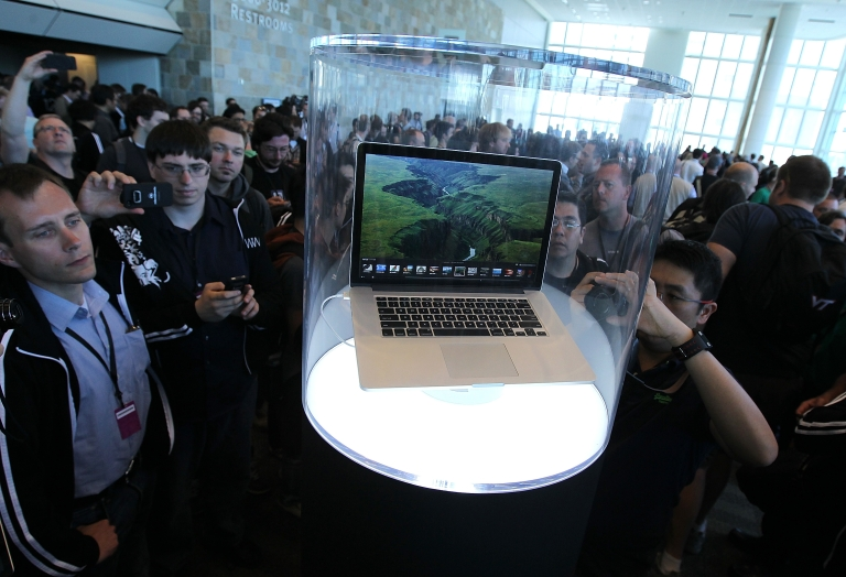 <p>Apple Macbook Pro with Retina display gets glowing reviews for picture quality.</p>