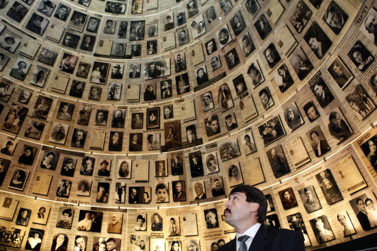 <p>A new report says Israel's Jewish population has exceeded six million while Palestinians number 5.8 million.</p>