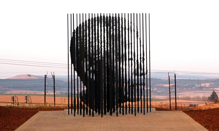 <p>A sculpture of former South African President Nelson Mandela, is presented on August 4, 2012 in Howick, 90 kms South of Durban, commemorating the 50th anniversary of Mandela's capture by the apartheid police.</p>