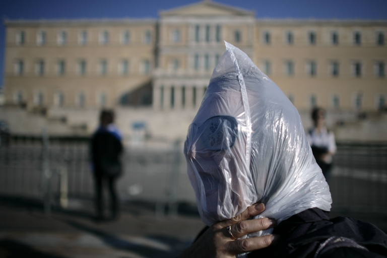 <p>Greece is waiting anxiously for next tranche of its bailout money after IMF and Eurozone leaders disagree on debt sustainability.</p>