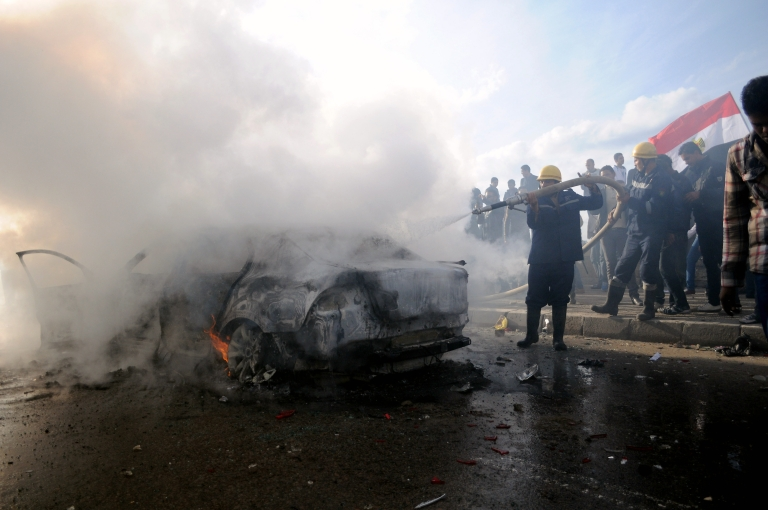 <p>A fresh round of violent clashes is being reported in Alexandria, Egypt, a day before the referendum on the draft constitution.</p>