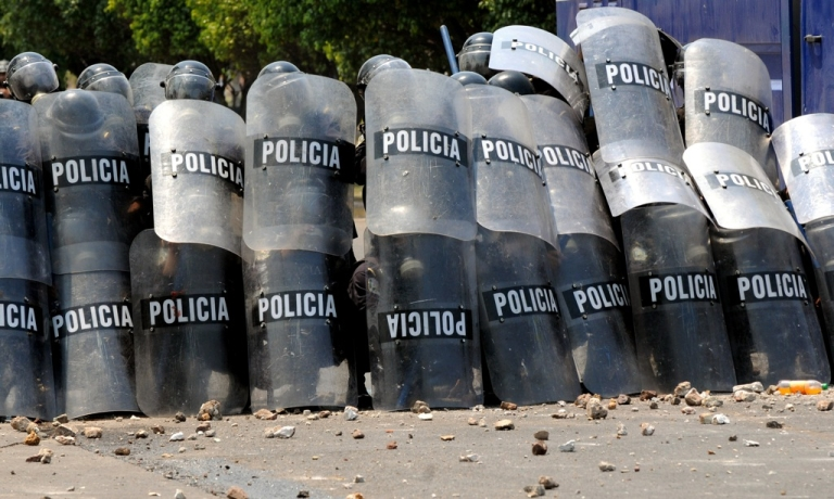 <p>176 Honduran police were arrested over corruption charges late Wednesday.</p>