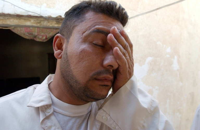 <p>A new study shows that smoking worsens the effects of hangovers magnifying their symptoms.</p>