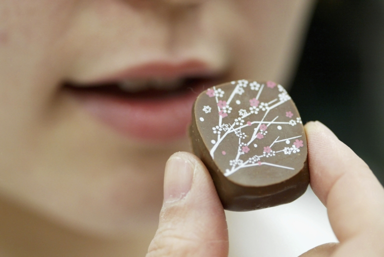<p>A new study found that consumption of dark chocolate is good for the heart and could reduce the risk of diabetes.</p>