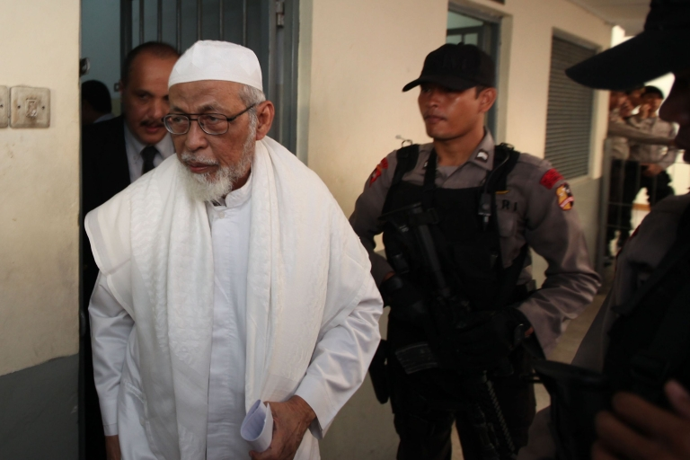 <p>Abu Bakar Bashir is the alleged founder and ideological leader of the military jihadi network Jemaah Islamiah, held responsible for killing 202 people in bombing attacks on the island of Bali in 2002.</p>
