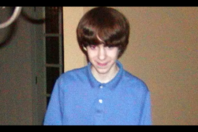 <p>The Connecticut school massacre gunman Adam Lanza spent hours playing violent video games such as Call Of Duty in a windowless bunker in the family home, family friends claim.</p>