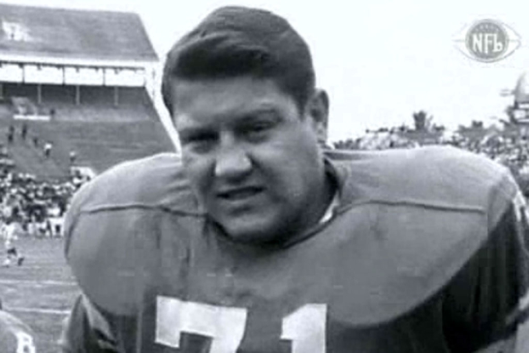 <p>Alex Karras, an all-pro football player known as much for his acting career, died on October 10, 2012 at age 77.</p>