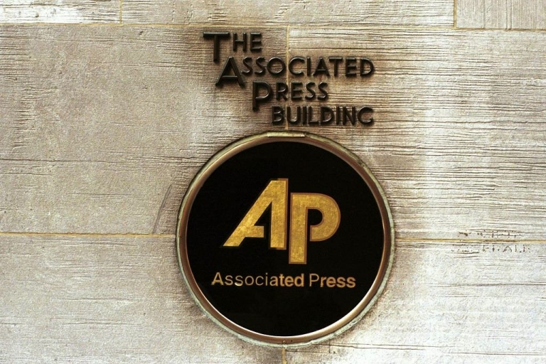 <p>The Associated Press warned staffers not to express their personal opinions on Facebook or Twitter.</p>