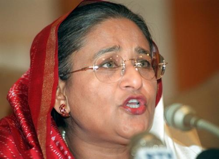 <p>Bangladeshi Prime Minister Sheikh Hasina Wajed answers a journalist's question, 26 January 2001, during a press conference at her official residence Ganababhan in Dhaka.</p>