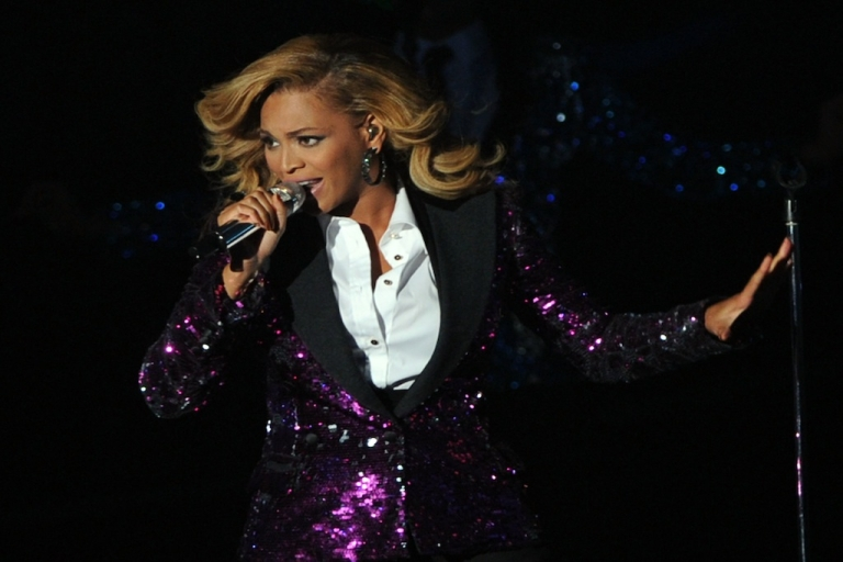 <p>Beyonce performs onstage during the 2011 MTV Video Music Awards at Nokia Theatre L.A. LIVE on August 28, 2011 in Los Angeles, California.</p>