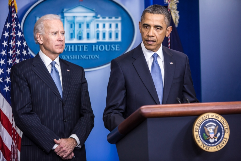 <p>President Barack Obama makes a statement alongside Vice President Joseph R. Biden (L) in the White House Briefing Room on January 1, 2013 in Washington, DC. Biden is leading talks about gun safety and will meet with representatives from the NRA and Wal-Mart.</p>