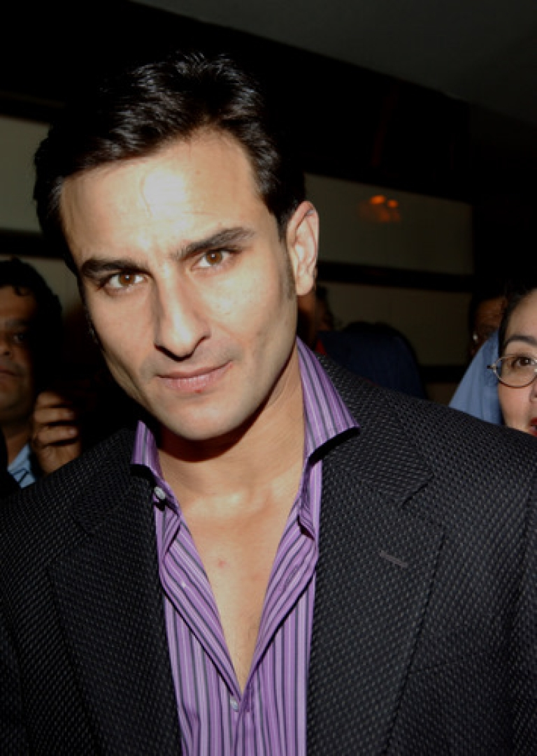<p>Bollywood actor Saif Ali Khan has reportedly been arrested and charged with punching a man in the face at a five star hotel where the star was dining with his girlfriend, fellow actor Kareena Kapoor.</p>