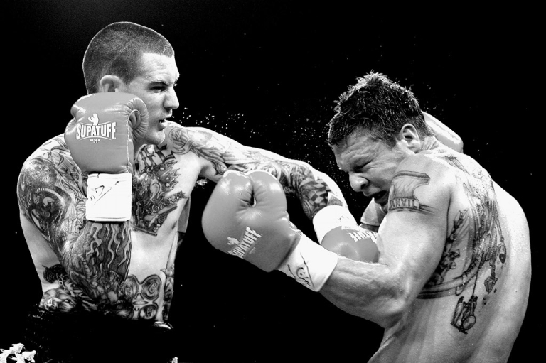 <p>The Financial Times likens the debt ceiling debate to a boxing match between big business and Tea Party Republicans.</p>