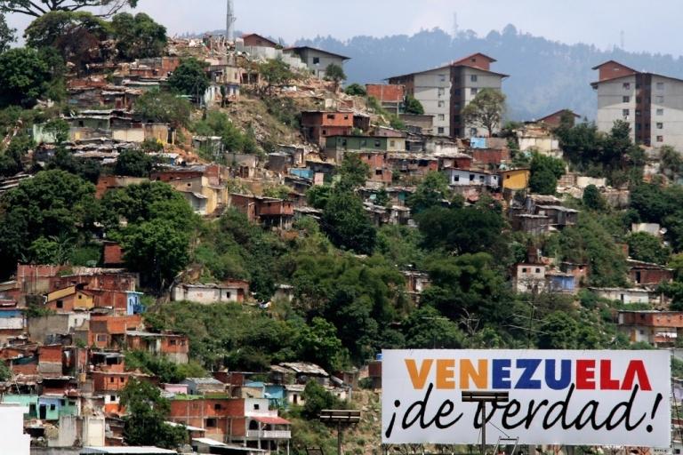 <p>Shantytowns in Caracas: