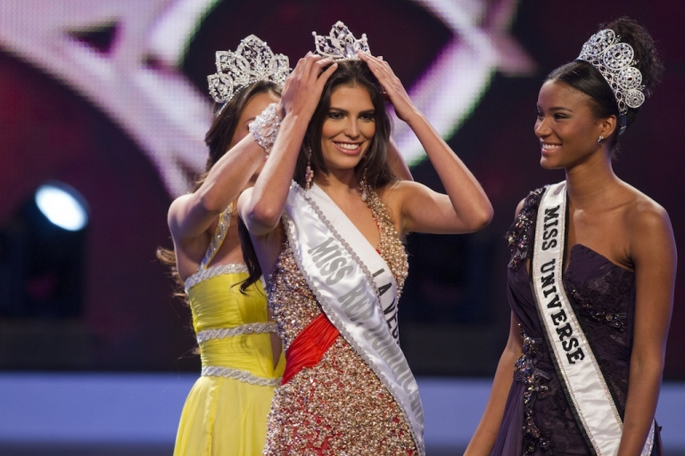 <p>Carlina Durán, 25, was crowned Miss Dominican Republic 2012 in Santo Domingo, on April 17, 2012. She has now had to hand over her crown to Dulcita Lieggi, 22, after pageant officials discovered she was married.</p>