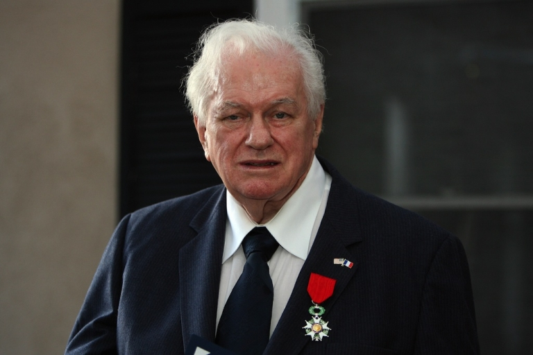 <p>US World War II Veteran veteran and actor Charles E. Durning poses after being awarded the National Order of the Legion of Honor by French Consul Philippe Larrieu on April 22, 2008 in Beverly Hills, California. The award is the highest honor that France bestows on its citizens and foreign nationals. In recognition of the 60th anniversary of the landing of the Allied forces at Normandy, France on June 6, 1944, approximately 100 Legion of Honor medals are awarded every year to US World War II veterans with very distinguished records in France.</p>