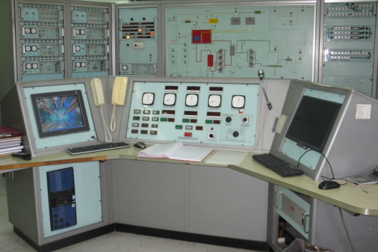 <p>This experimental nuclear reactor opened in 1974. The main control panel uses British technology from 1970.</p>