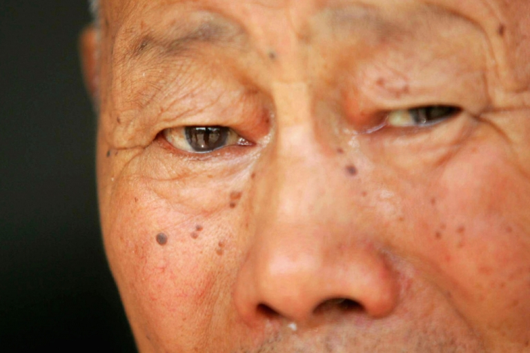<p>An elderly man in Xian of Shaanxi province, China.</p>