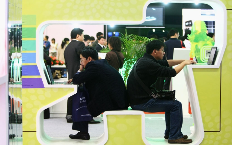 <p>Chinese online programming fans may find their favorite shows subject to more censorship. Chinese visitors test the 3G wireless network at the P&amp;T/Expo Communication China 2008 at China International Exhibition Center on October 21, 2008 in Beijing, China.</p>
