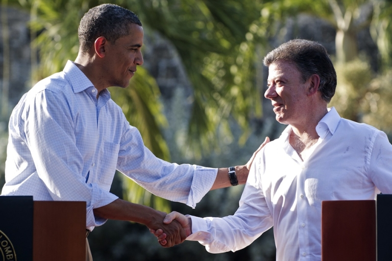 <p>Colombia President Juan Manuel Santos (R) and US President Barack Obama shake hands during a joint press conference in the framework of the VI Summit of the Americas at Casa de Huespedes in Cartagena, Colombia, on April 15, 2012.</p>