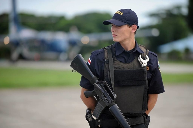 <p>A Costa Rican guardsman mistakenly shot dead a Kansas student who was on a high school trip.</p>