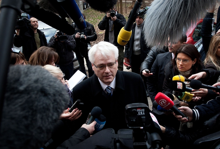<p>Croatia's President Ivo Josipovic answers journalists' questions after casting his ballot at a polling station in Zagreb in today's referendum on EU membership.</p>
