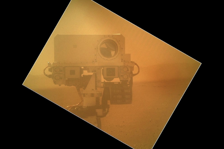 <p>A self portrait of Curiosity on Mars snapped by the rover in 2012.</p>
