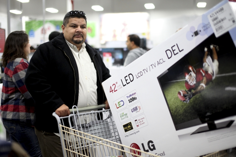 <p>US consumer confidence hit a four-year high in May as many Americans stayed optimistic about the job market despite Europe's economic troubles.</p>