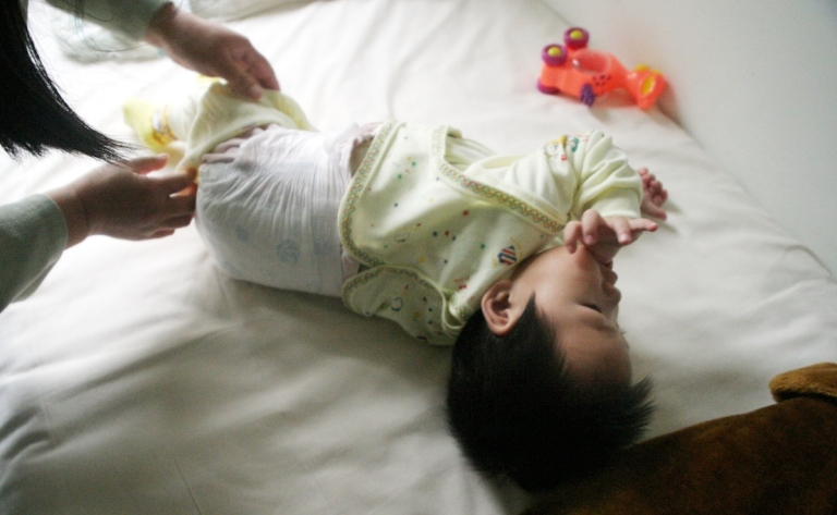 <p>US parents are embracing a new trend - diaper-free child-rearing for newborns.</p>