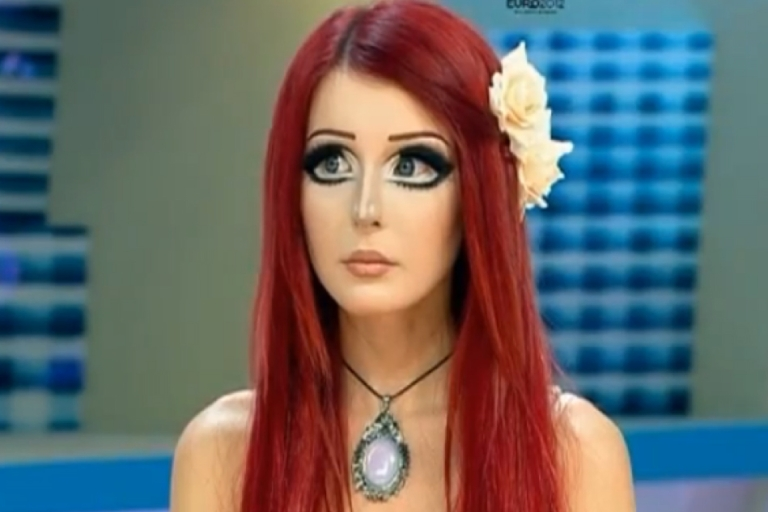 <p>It's a new Ukranian fashion trend: the Barbie look.</p>