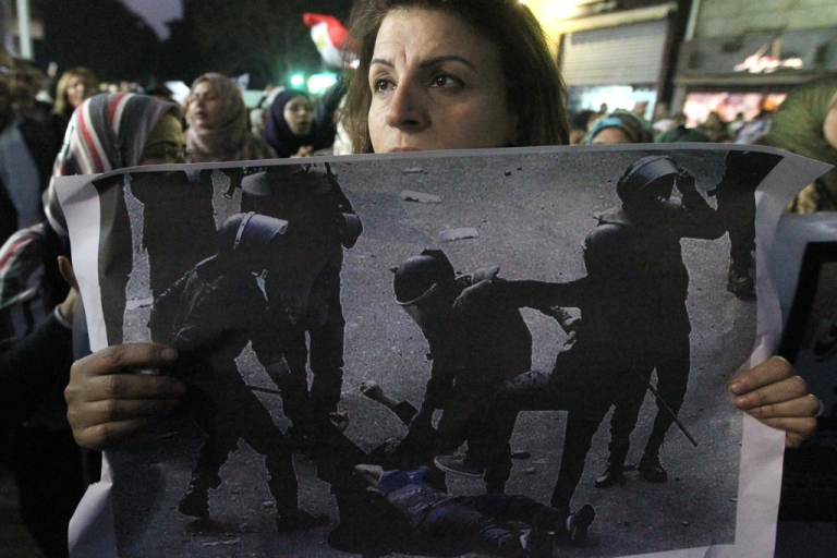 <p>Human Rights Watch released its annual World Report 2012 in Cairo, Egypt today, and the group's director had harsh words for Egypt's military government.</p>